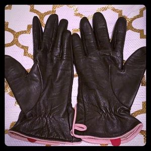 Like New soft brown leather gloves